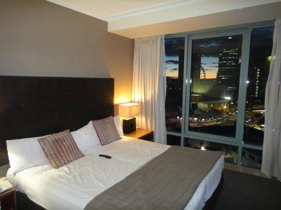 Mantra Legends Hotel: Hotel room