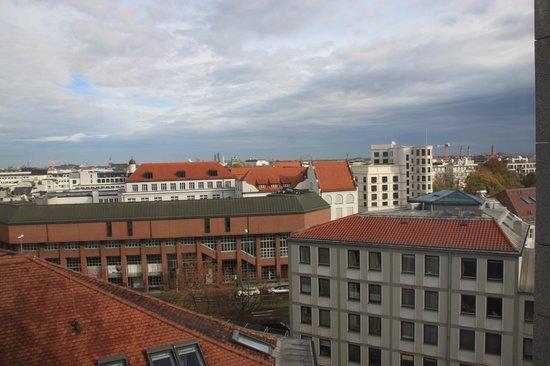 NH Muenchen Deutscher Kaiser: Вид на город