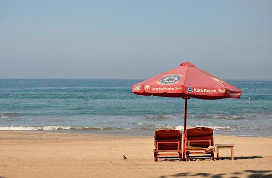 Legian Paradiso Hotel: Kuta Beach