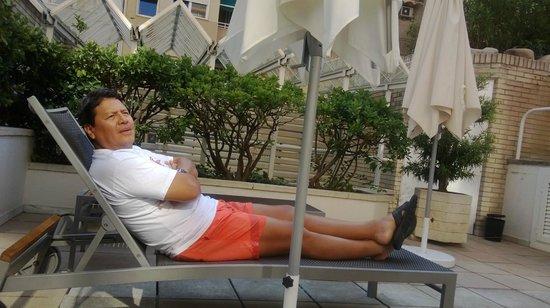 Hotel Gran Derby Suites : En la piscina del Gran Derby