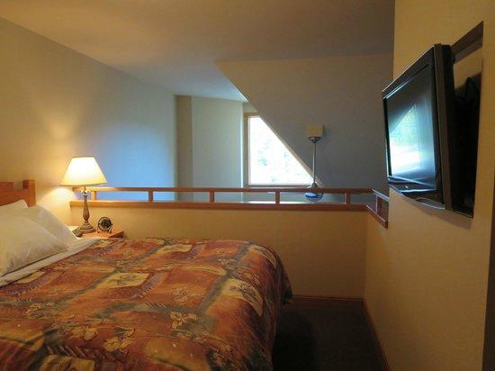Hidden Ridge Resort: loft bedroom