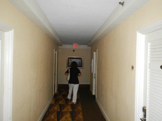 Dorchester Hotel: PASILLO