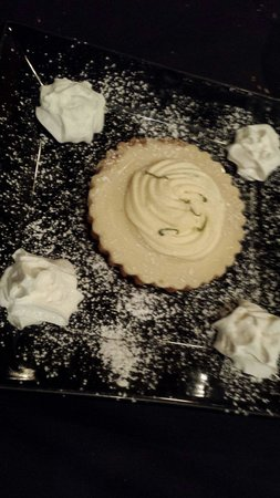 3rd and Main : Key lime tart