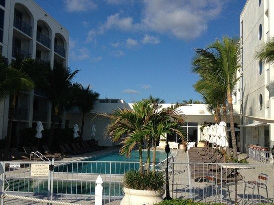 Costa d'Este Beach Resort & Spa: View from the beach