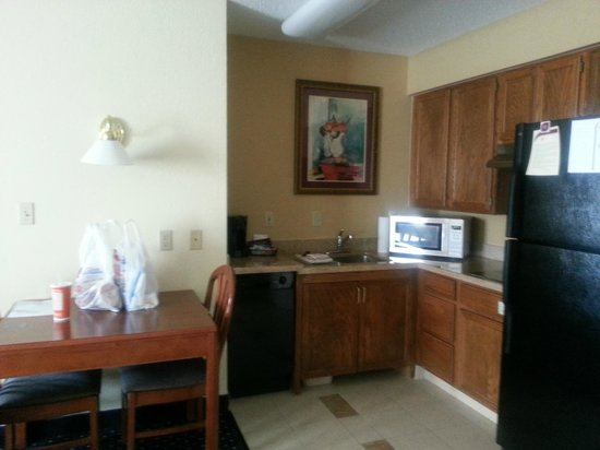 Residence Inn Chicago O'Hare: Kitchen/dinette area
