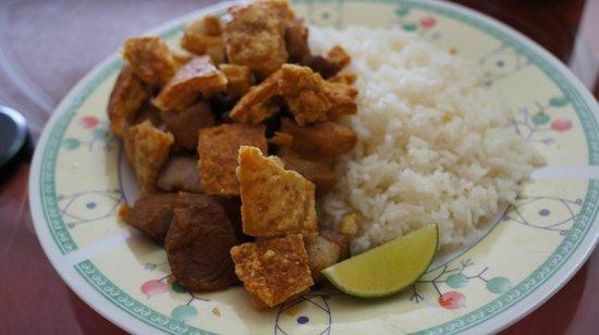 Amelia's Kitchen: Chicharrones with white rice