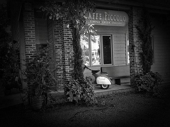 Caffe Piccolo: Vintage stylin
