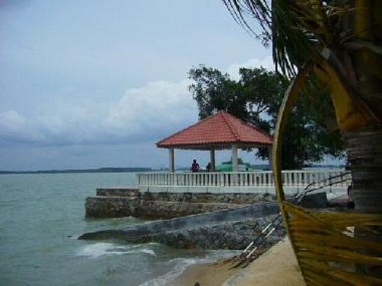 Minyak Beku Beach