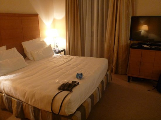 Capo d'Africa Hotel: premier double, king size bed