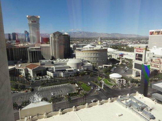 Flamingo Las Vegas Hotel & Casino: VISTA HABITACION DE DIA