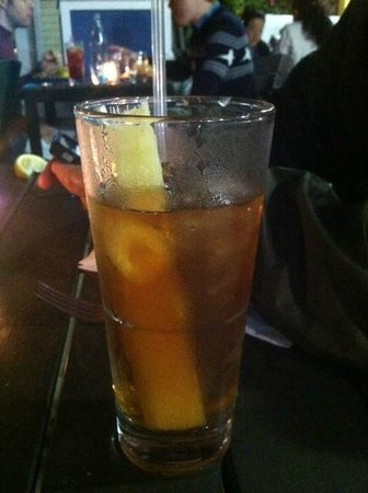 Valencia Luncheria : Iced tea with sugar cane
