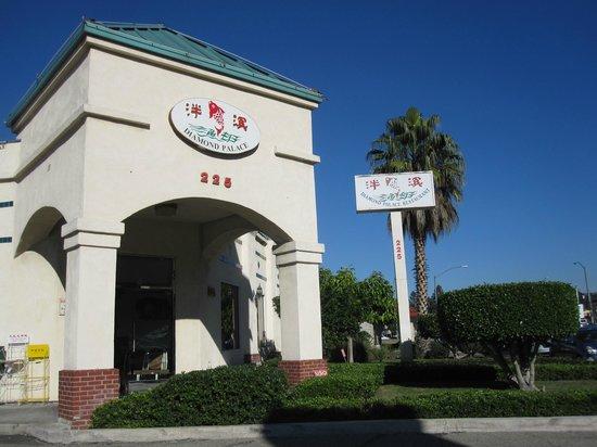Diamond Palace Chinese Seafood Restaurant: Chinese Palace