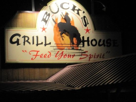 Buck's Grill House: Sign over entrance