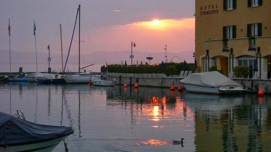 Hotel La Rondine: Sunset outside the gates of Sirmion