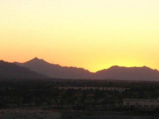 Phoenix Marriott Tempe at The Buttes : Sunset from the nearby walking path