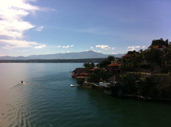 Hotel Villa Bejar and Spa Tequesquitengo : Vista del lago en el cuarto piso.