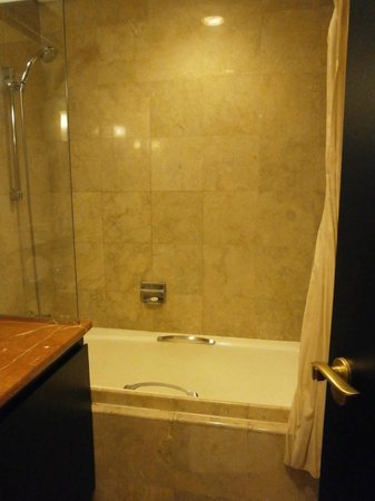 Aston at Kuningan Suites: the bath room