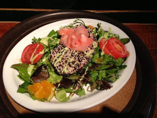 Knotty Pine: Beautiful seared ahi salad