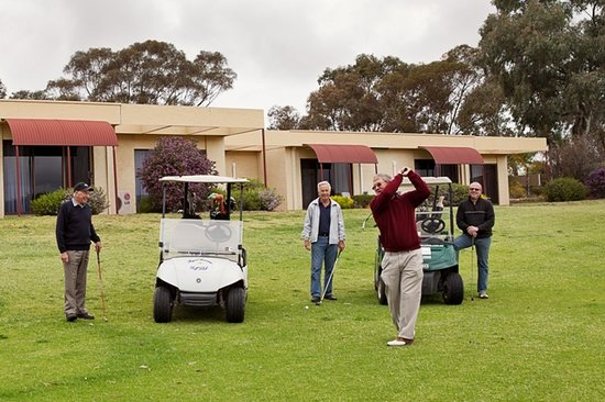 Barmera Country Club: All Units have a Superb Golf Course View