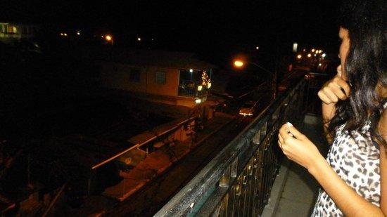 Hotel Cristina: desde el balcón de la habitación, Vista de la parte trasera del hotel,