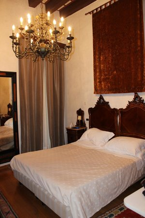 Hotel Saturnia & International : Our room