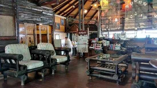 Banpu Koh Chang Resort : Возле ресепшен