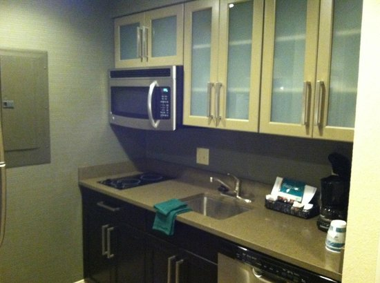 Homewood Suites Nashville Downtown: kitchenette