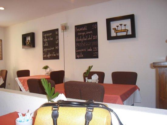 Drop Inn Bangkok : breakfast area