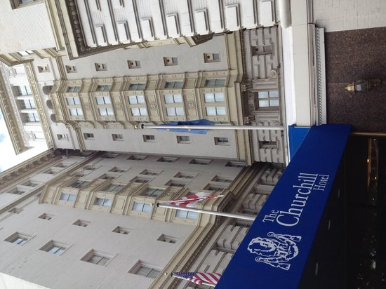 Churchill Hotel Near Embassy Row: Вход в отель