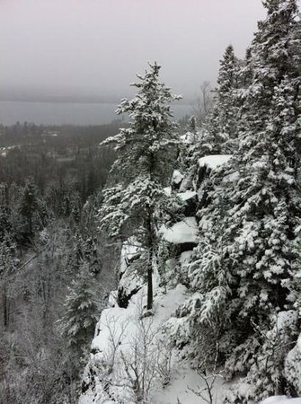 Gunflint Lodge & Outfitters : south rim trail