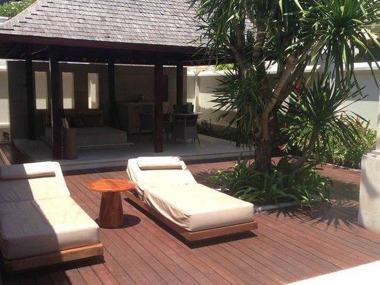 The Royal Santrian, Luxury Beach Villas: villa pool