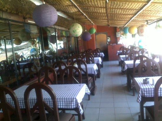 Rice Bowl Tibetan Restaurant: singing place