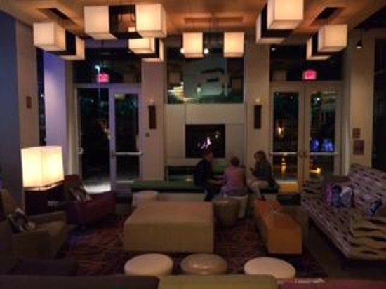 Aloft Ontario-Rancho Cucamonga: lobby