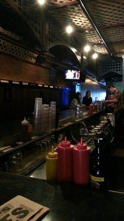 Shorts Burger & Shine : Seating area at Bar