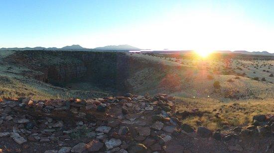 Wupatki National Monument: Sunset at the Citadel pueblo