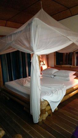 Thulhagiri Island Resort : ベッドもリゾート感が◎