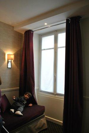 Hotel Elysees Union: cama simple habitacion cuadruple