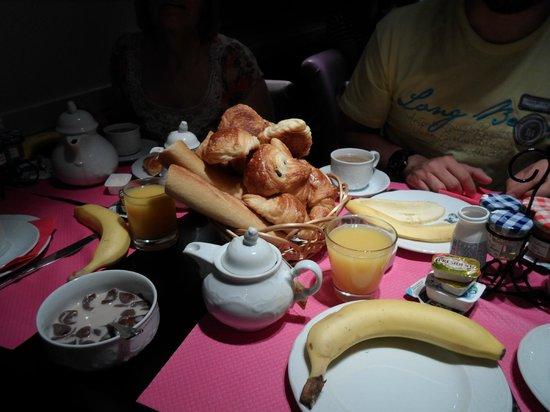 Hotel Elysees Union: Desayuno incluido