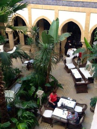 L'Heure Bleue Palais: Internal courtyard