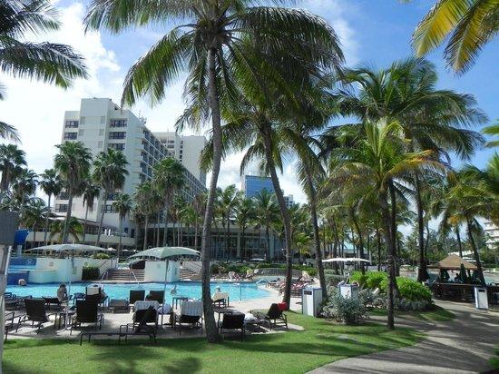 Condado Lagoon Villas at Caribe Hilton: Beautiful grounds