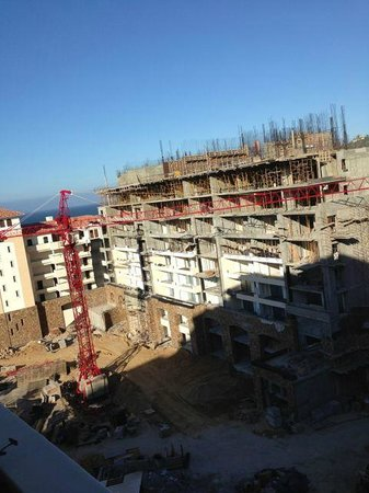 Grand Solmar Land's End Resort & Spa: Construction… view from balcony 9th floor building 6