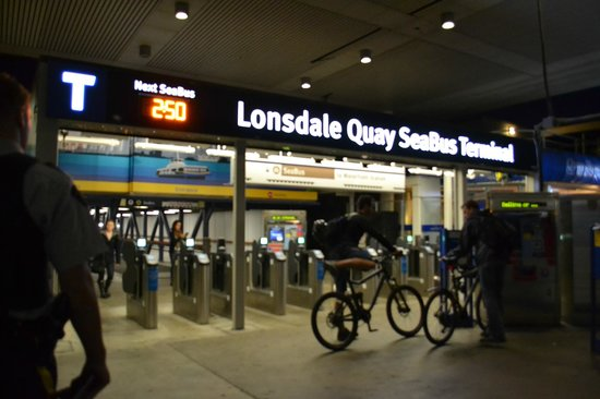 TransLink Seabus: Lonsdale Quay Seabus Terminal