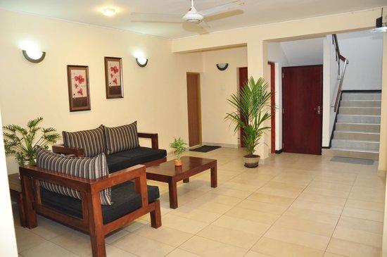 Alfred Court Accommodation: Lounge