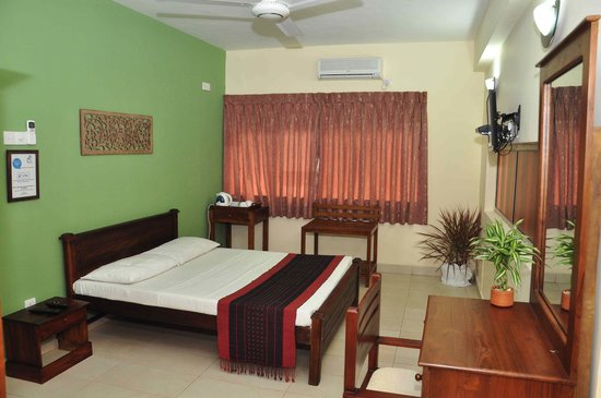 Alfred Court Accommodation: Superior - Double Bedroom
