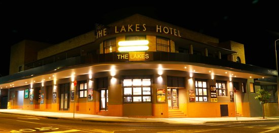 The Lakes Hotel,  The Entrance: The Lakes