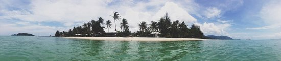 Da Kanda Villa Beach Resort: View at the beach from the sea