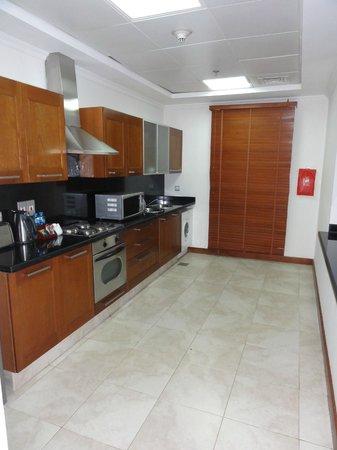 Donatello Hotel: Kitchen