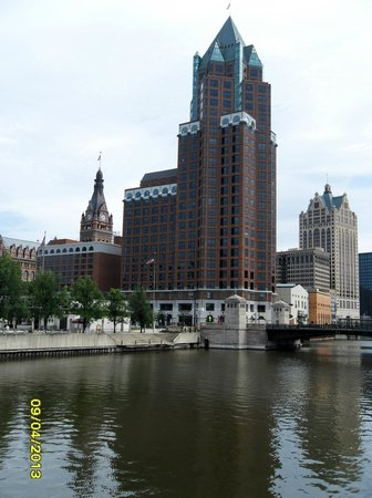InterContinental Milwaukee: View from the River area looking at Hotel complex.