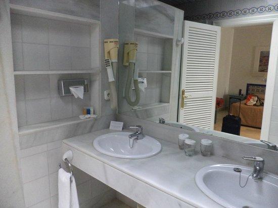 Luxe Badkamer Hotel : Luxe badkamer met apart bad en douche picture of hotel playa de la