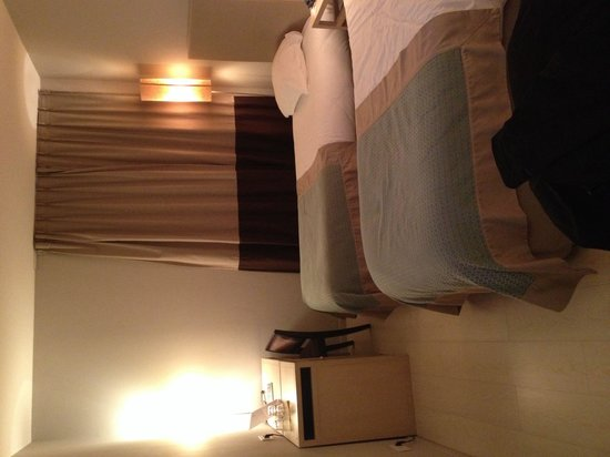Grand Tonic Hotel Vieux Port: Chambre 3 lits simples